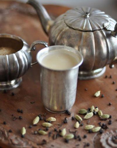 Индийский молочный чай масала с кардамоном и специями